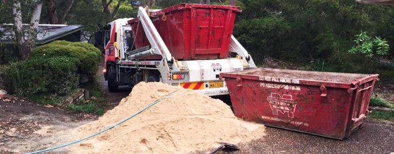 Dirt and clay skip bin