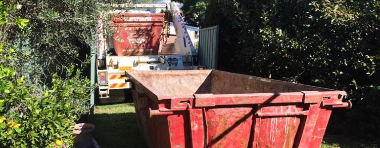 Green waste skip bin
