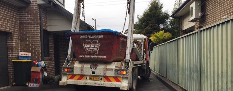 Skip bin delivery in St Marys